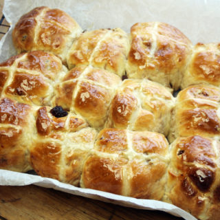 banana hot cross buns