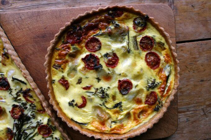 tomato, broccoli & mozzarella quiche