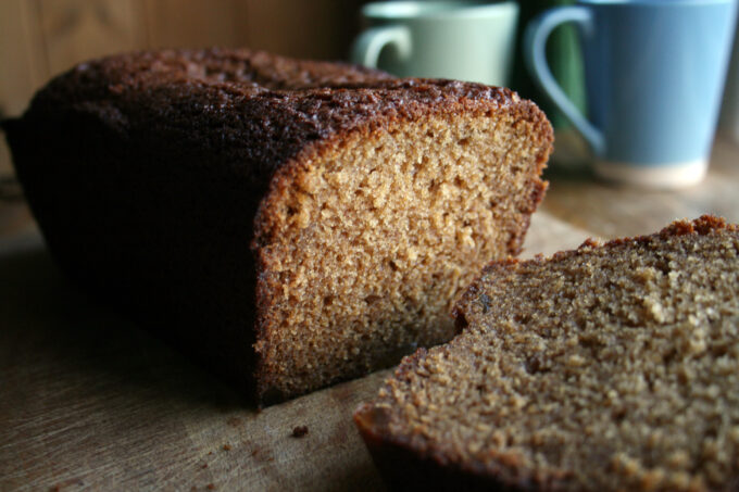ginger and golden syrup cake