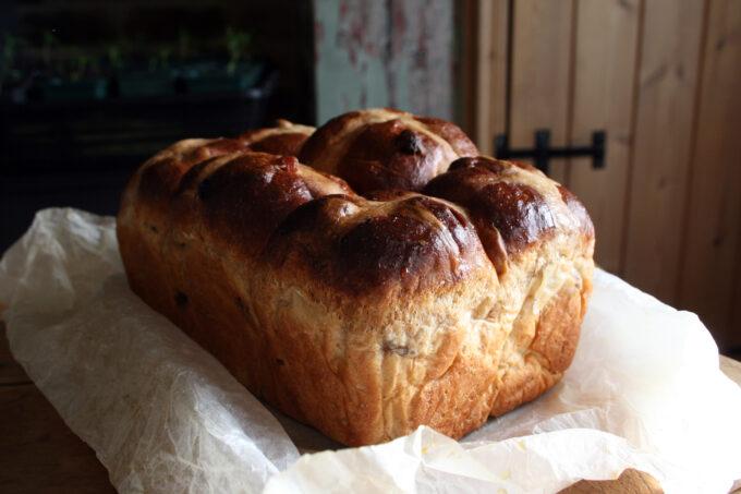 hot cross buns loaf