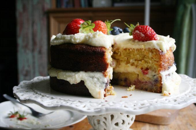 orange and berry cake